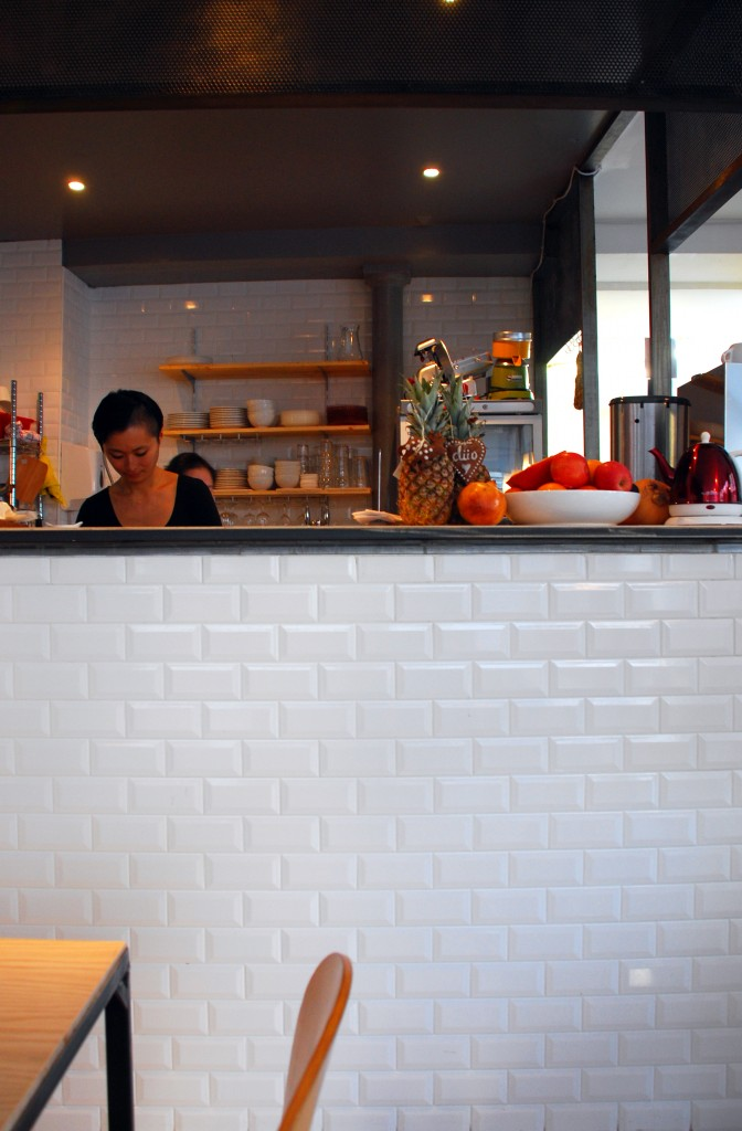 düo restaurant galerie librairie paris 10 by le polyedre 1 672x1024 DÜO : RESTO, GALERIE, LIBRAIRIE