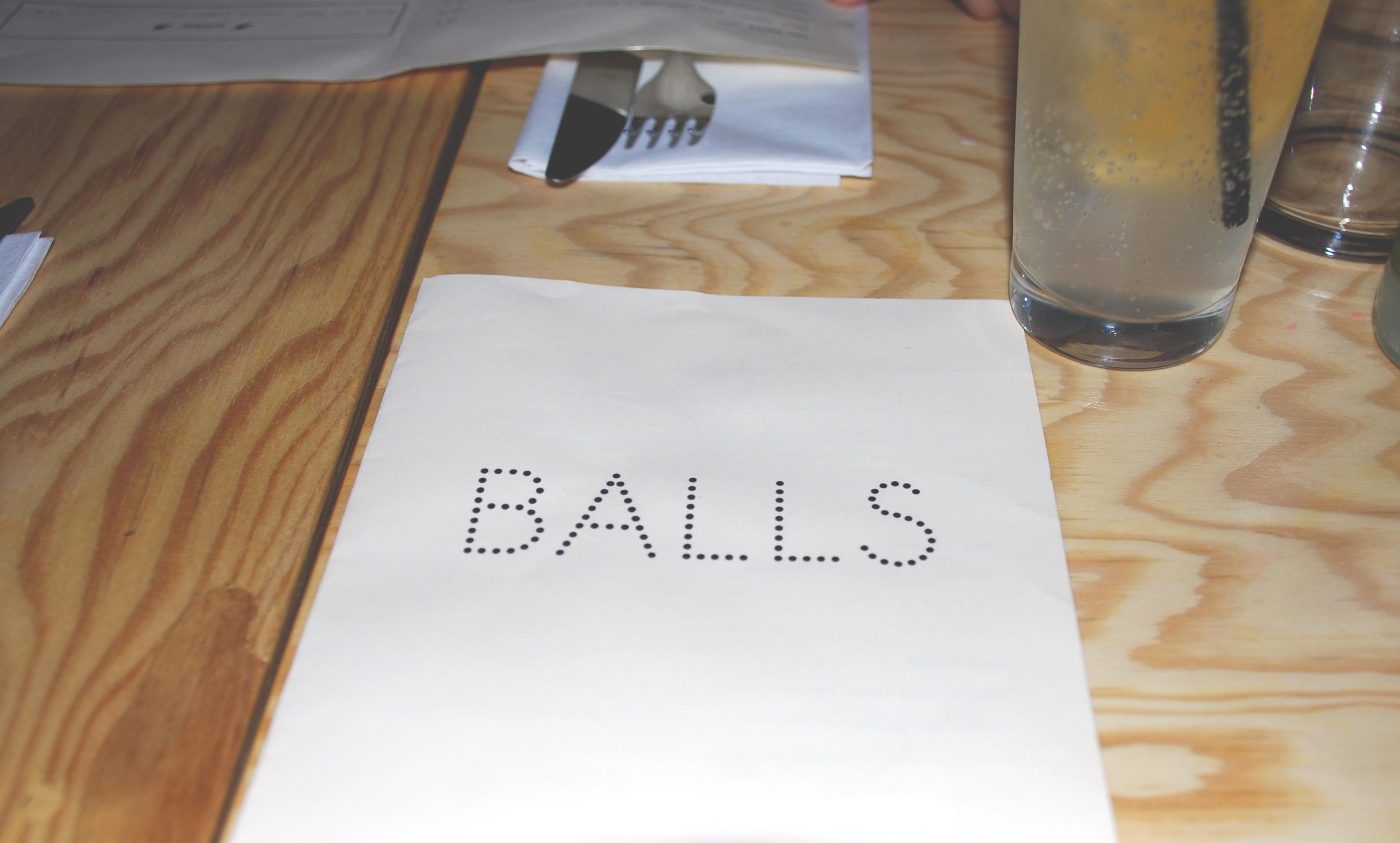 balls restaurant boulettes rue saint maur paris le poly dre. Black Bedroom Furniture Sets. Home Design Ideas