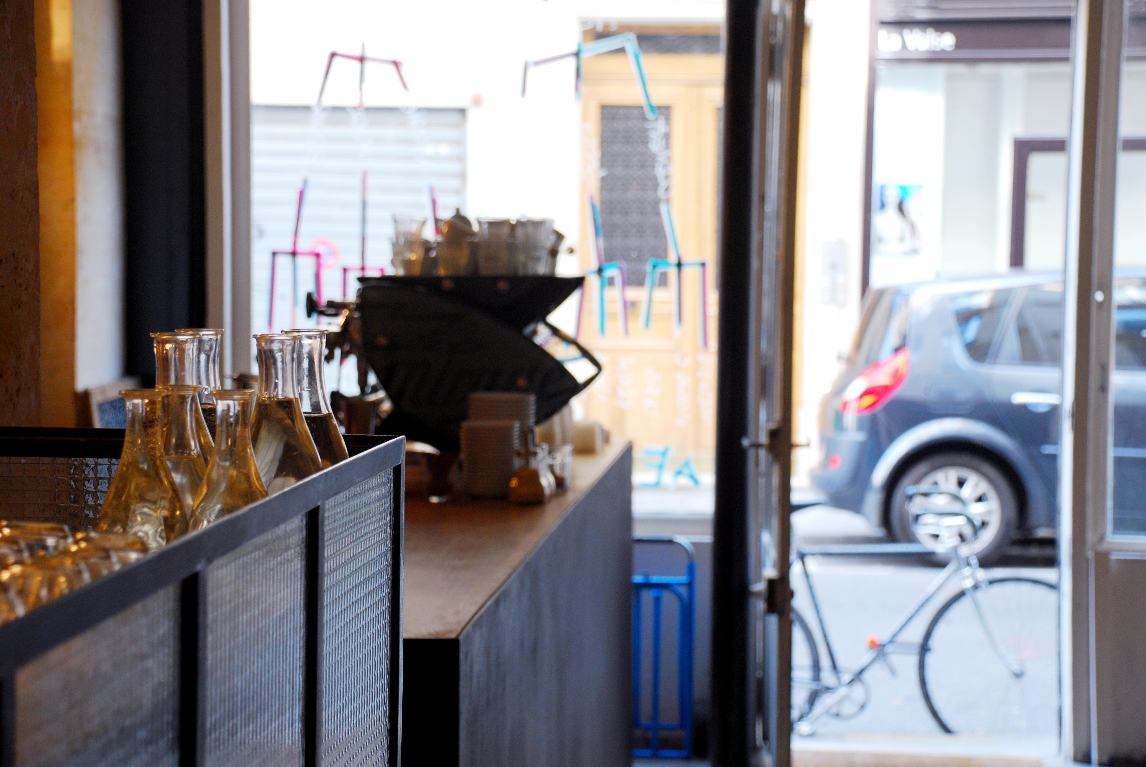 fragments une adresse o boire du bon caf dans le 3 me le poly dre. Black Bedroom Furniture Sets. Home Design Ideas