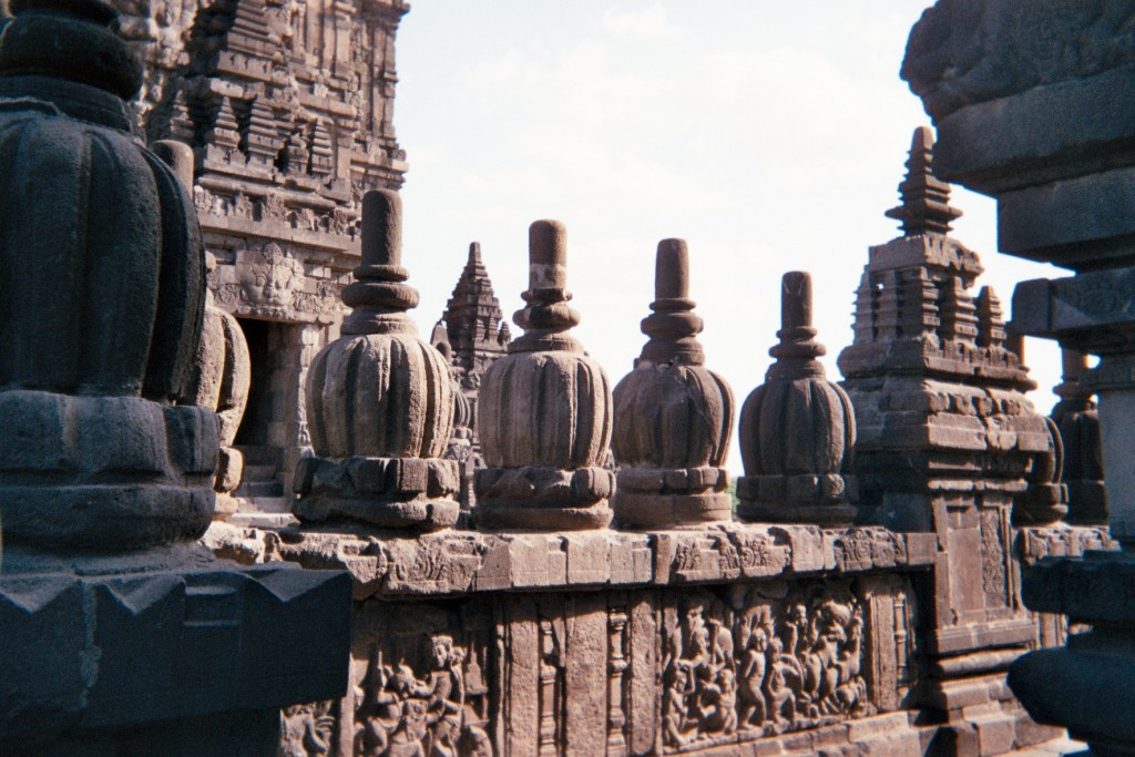 carnet-voyage-indonesie-java-prambanan-appareil-photo-jetable-argentique-cityguide-by-le-polyedre (14)
