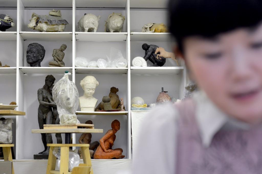 rencontres-Kaori- Kurihara-ceramiste-lauréat-prix-jeune-création-ateliers-art-de-france-by-le-polyedre (11)