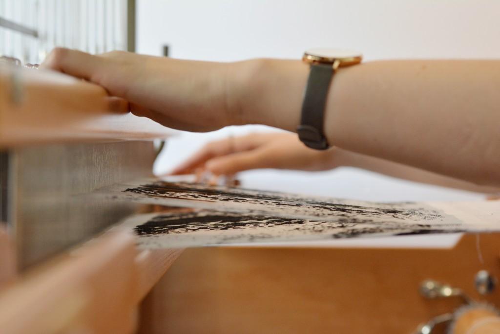 rencontres-morgane-baroghel-crucq-designer-textile-lauréat-prix-jeune-création-ateliers-art-de-france-by-le-polyedre (3)