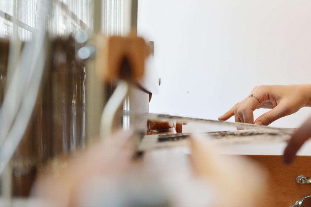 rencontres-morgane-baroghel-crucq-designer-textile-lauréat-prix-jeune-création-ateliers-art-de-france-by-le-polyedre (4)