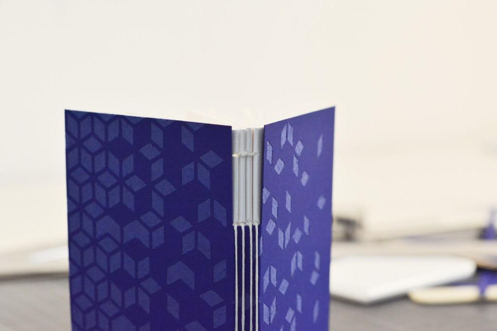 rencontres-julie-auzillon-relieuse-lauréat-prix-jeune-création-ateliers-art-de-france-by-le-polyedre-9