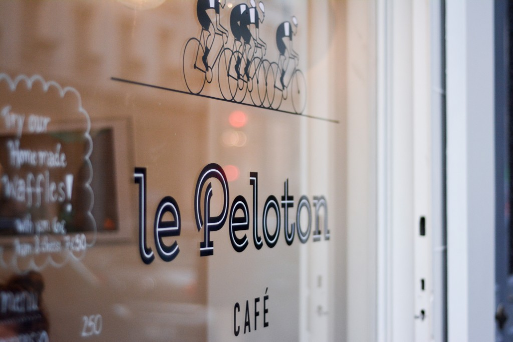 le-peloton-cafe-paris-by-le-polyedre_14