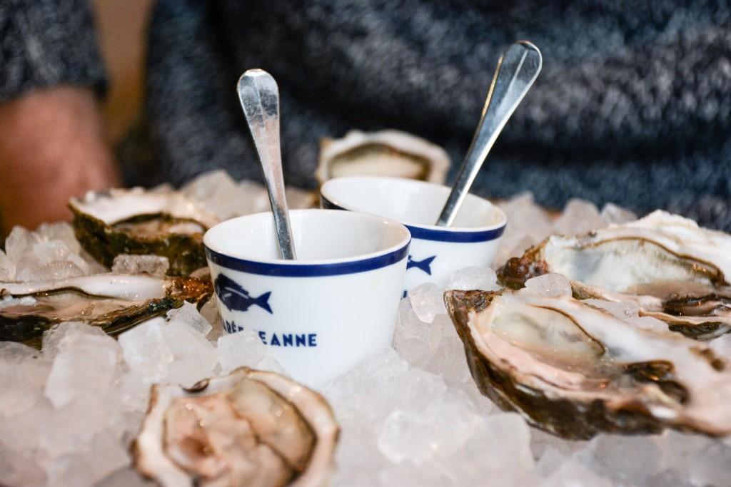 la-marée-jeanne-brasserie-poissons-restaurant-paris-by-le-polyedre_1