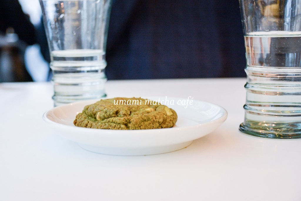 umami-matcha-cafe-restaurant-boutique-paris-by-le-polyedre-visuel