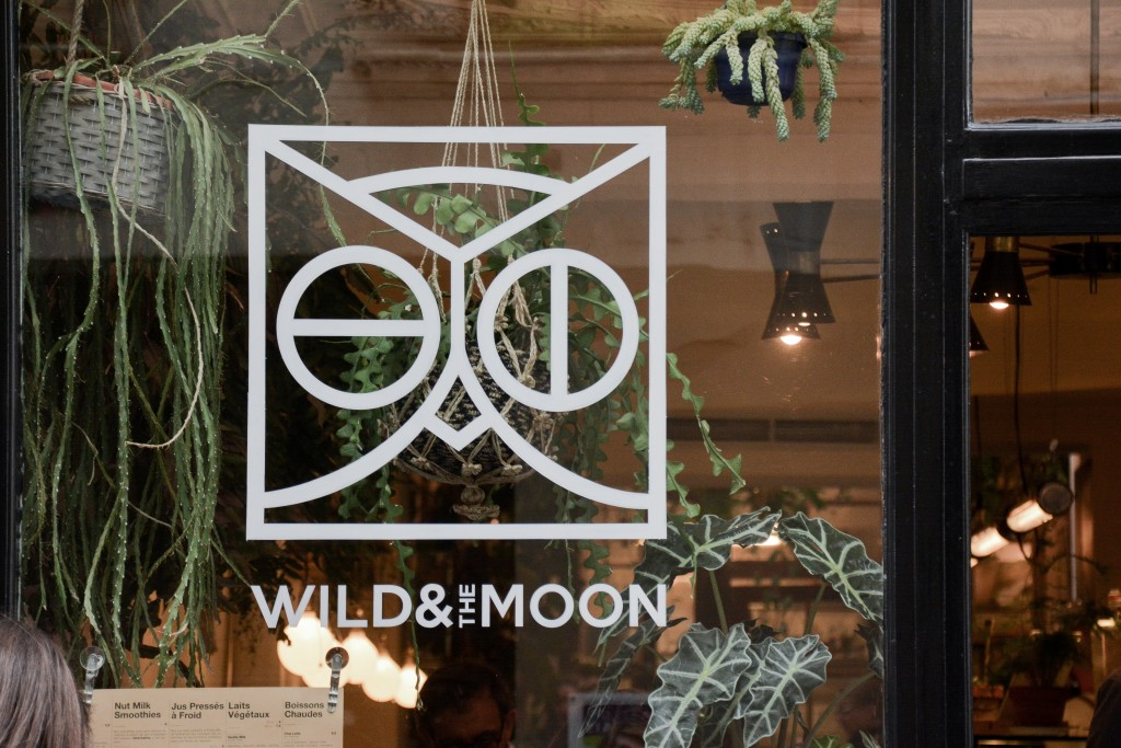 wild-and-the-moon-juice-bar-restaurant-paris (30)
