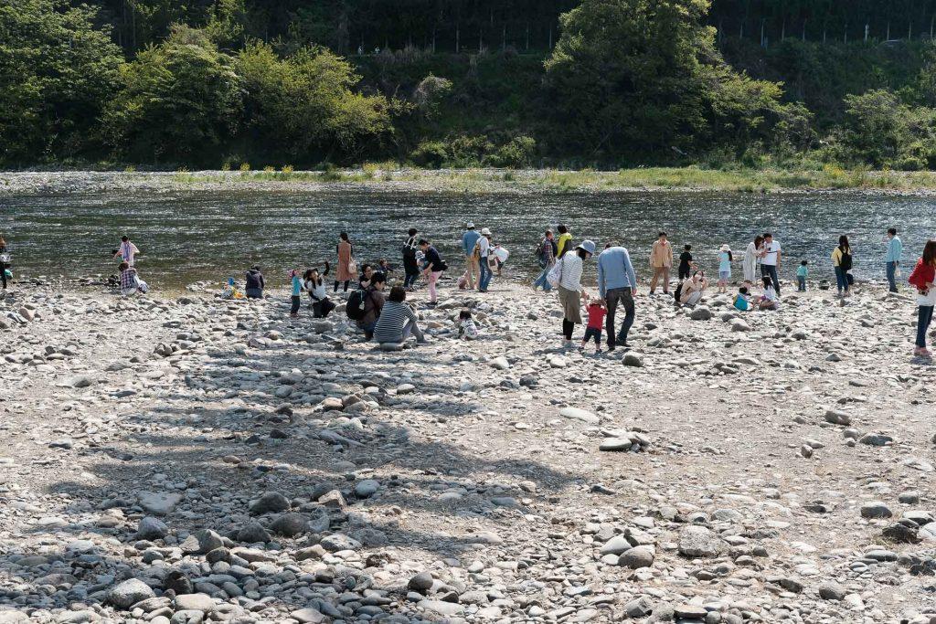 Kodomo No Hi à deux heures de Tokyo à Sagami river à coté du Takeda bridge avec les carpes koinobori