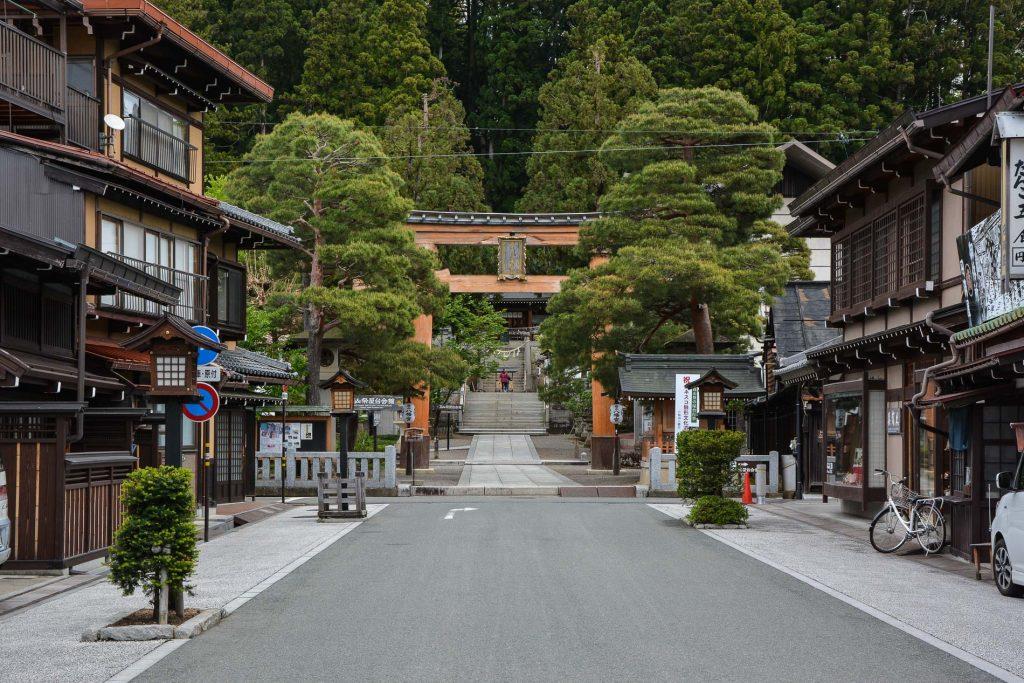 Sakurayama Hachiman-gū Shrine à Takayama dans les Alpes japonaises, Japon
