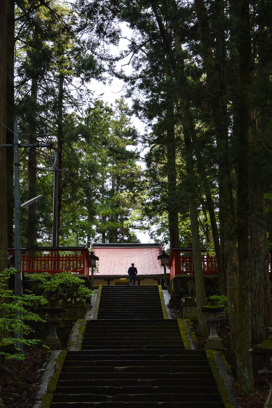 temples de Higashiyama Teramachi avec le sanctuaire Higashiyama Hakusanjinja à Takayama dans les alpes japonaises, Japon
