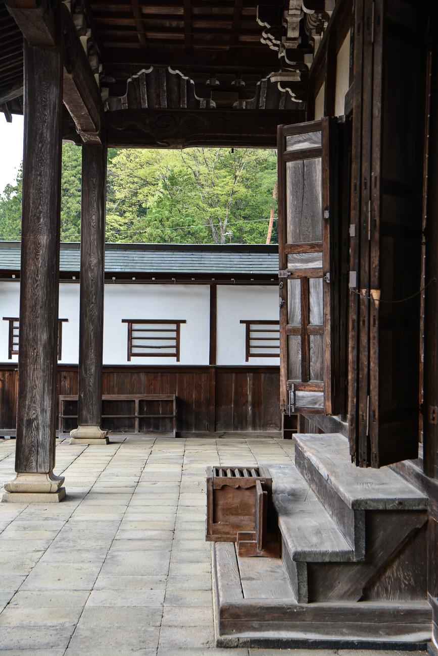 temples dtemples de Higashiyama Teramachi à Takayama dans les alpes japonaises, Japone Higashiyama Teramachi avec le sanctuaire Higashiyama Hakusanjinja à Takayama dans les alpes japonaises, Japon