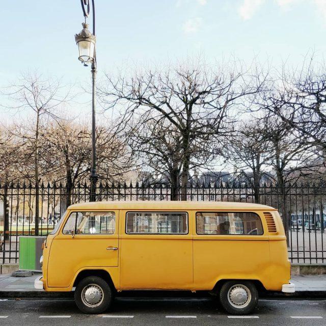 Le van tout jaune vu place des Vosges ! hellip