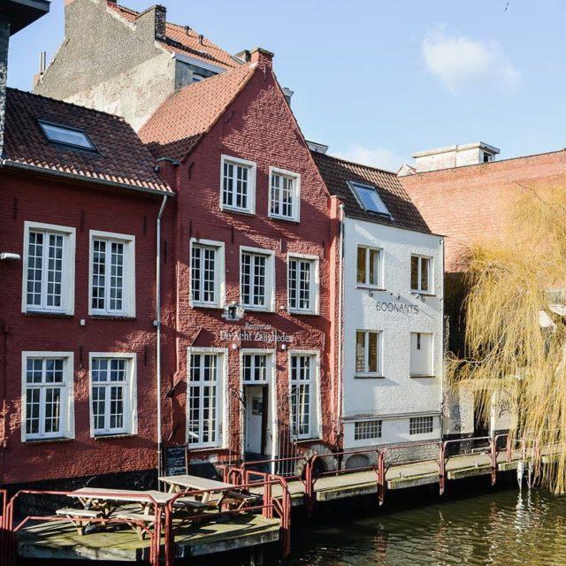 Les jolies maisons de Gand le bord du canal hellip