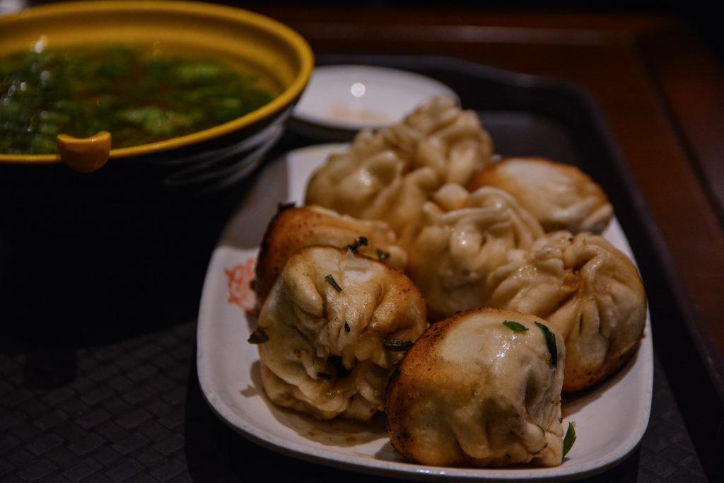 Les meilleurs Shengjian mantou à Da Hu Chun, bib Michelin à Shanghai