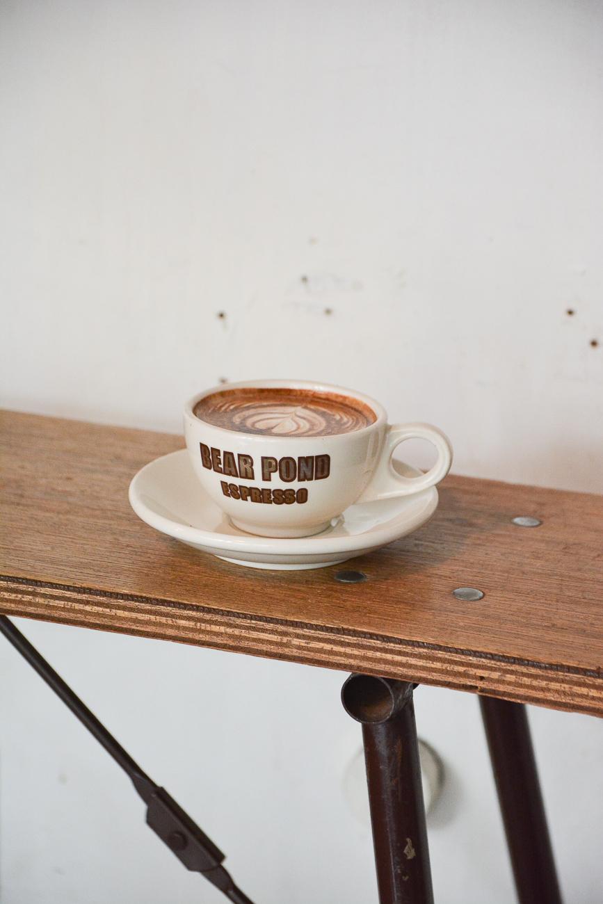 le coffeeshop Bear Pond Espresso à tokyo au Japon