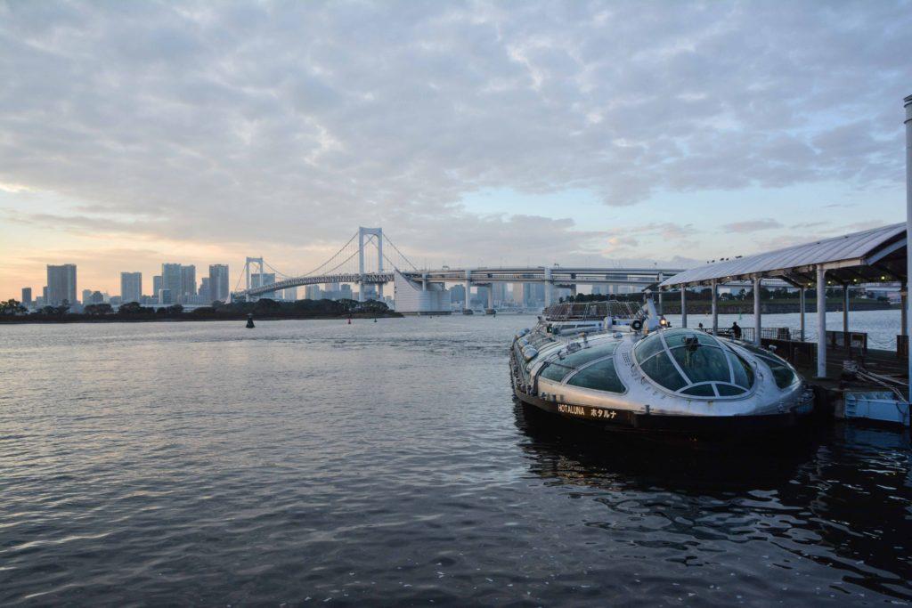 voyage à tokyo, avec une croisière sur la rivière sumida d'asakusa à odaiba