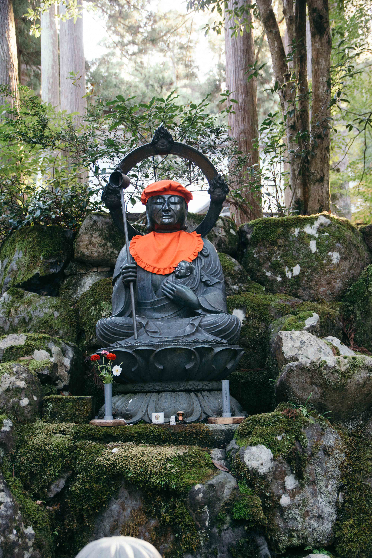 Visiter et dormir dans le temple zazen Eiheiji dans la préfecture de Fukuin, au Japon