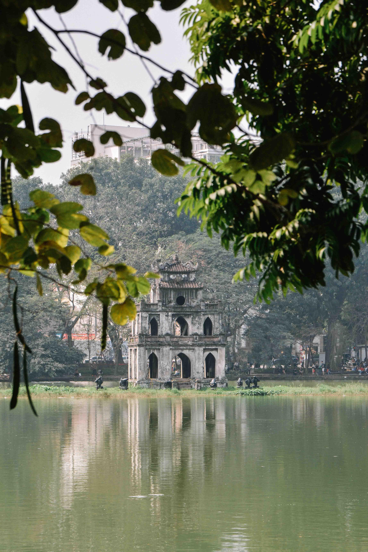 Le lac Hoan Kiem à Hanoi au Vietnam